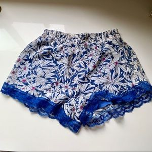 Nordstrom brand (Lush) patterned shorts